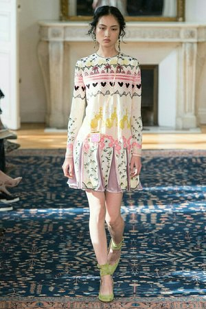 valentino spring 2017 collection from vogue.com
