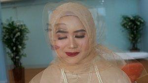 Halo, akhirnya video aku di tanggal 16 Februari 2019 lalu iseng iseng kolaborasi makeup sama kak @nuasa_dini selesai jugaa diedit. Maklum karena masih belajar banget bikin video gini, tapi sayang banget kalau di hapus dan nggak di up.Hitung hitung jadi canvas aku, dari hari ke hari. Untuk lengkapnya bisa cek dilink di profile aku yaa.Selamat berpuasa, teman- teman.Semoga kita diberi kesehatan selaluu~#mahan #clozette #clozetteid