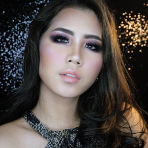 I know, rite?🔥🔥🔥sexy is about the attitude. Smokey eye inspired by my beauty guru, @xthuyle 💖💖💖 she's BOMBB😭😭 make up deeds and tutorial on my previous post.  Click the link in my bio to watch my full tutorial!  This is the final of my Red Carpet Look for @bubahalfian @bubahalfianmakeupclass makeup challenge. I really wanna learn from you kak😭😭😭 . . #bubahalfianmuct2017 #ivgbeauty #indobeautygram #beautynesiamember #clozette #clozetteid #lagirlindonesia #lagirl #lagirlcosmetics #beautyjunkie #beautyjunkies #smokeyeye #instamakeupartist #makeupporn #makeuppower #beautyaddict #fotd #motd #eotd #makeuptutorial #beautyenthusiast  #makeupjunkie #makeupjunkies #beautyvlogger #livjunkie