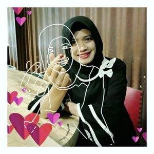 Makan toco campur sop tunjang, minum kopi diwarung kang Maman (tjakep) 👍👍.Walopun hati kaco & pikiran terguncang, kan ku hadapi dengan senyuman 😀 hazzeekk...#Clozetteid#hijabers#instahijab#hijabworld#feelfreefeed#styleblogger#colourmehappy#simplethingsmadebeautiful#makeyousmilestyle#styleguide#indonesia#hijabercommunity#picsart#sketcheffect#madewithpicsart#picsartstudio