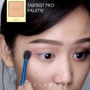 Here is an old tutorial (because im preparing the new one 👻) what do you think about new instagram algorithm? Does it effect you? Comment down below i would love to hear 👇🏼 PRODUCT DETAIL: Simple halo eyes tutorial @benefitindonesia brow primer #etude drawing pencil @nyxcosmetics_indonesia brow mascara @urbandecaycosmetics #eyeprimer potion @sigmabeauty #sigmabrushes @tartecosmetics #tarteist pro palette @colourpopcosmetics LALA @maybelline #Hypersharp liner @catrice.cosmetics liner Lashes @lashesbyjanuary_  Necklace: @fume.id  Song: LANY- super far . . #ibv #ibvlogger #indobeautygram #ivg #ivgbeauty @indovidgram @indobeautygram #hudabeauty #clozette #clozetteid #undiscovered_muas #make4glam #wakeupandmakeup @undiscovered_muas @featuremuas @underratedmua #beautyjunkie #beautyenthusiast