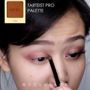 Simple halo eyes tutorial @benefitindonesia brow primer #etude drawing pencil @nyxcosmetics_indonesia brow mascara @urbandecaycosmetics #eyeprimer potion @sigmabeauty #sigmabrushes @tartecosmetics #tarteist pro palette @maybelline #Hypersharp liner @catrice.cosmetics liner Lashes @lashesbyjanuary_  Song: LANY- super far . . #ibv #ibvlogger #indobeautygram #ivg #ivgbeauty @indovidgram @indobeautygram #hudabeauty #clozette #clozetteid #undiscovered_muas #make4glam #wakeupandmakeup @undiscovered_muas @featuremuas @underratedmua #beautyjunkie #beautyenthusiast