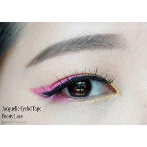 😎 Punya eyelid kecil jadi susah berkreasi dengan eyemakeup? Yuk baca post terbaruku tentang cara agar tetap dapat berkreasi walaupun menggunakan eyelid tape 👇 bit.ly/MeriasMataDenganEyelidTape . Psssttt kalian juga bisa dapatkan diskon 50.000 lho beli paket Jacquelle dan Mizzu di Sociolla.com dengan menggunakan kode SBNLALRE 😘 #bolddramaticeyes #mizzuxjacquelle #BloggerIndonesia #ClozetteStar #clozetteid #eyelidtape