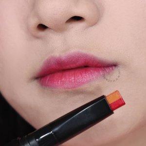 Unik ya ada 2 warna lipsticknya? Satunya itu kayak lipgloss jadi hasilnya glossy tapi gak lengket. Bibir terasa lembab dan warnanya aku suka terlihat natural 😊💞. . Review lengkapnya ada di kornelialuciana.com ya 😉. #LuciMakeupReview #clozetteid #MakeupReview #witchspouch #lipstickkorea #bloggerindonesia #bloggerjogja #BeautyInfluencer #jogjabloggirls #AltheaAngels