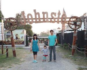 My Little Family 💕#ClozetteStar #ClozetteID #familytime #familypictures #johnstoresto #wisatajogja #kulinerjogja #explorejogja
