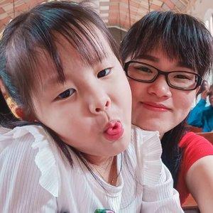 Bersama anak cantik 🥰😍😘#clozetteid #momanddaughter #momslife #prettygirl #prettydaughter