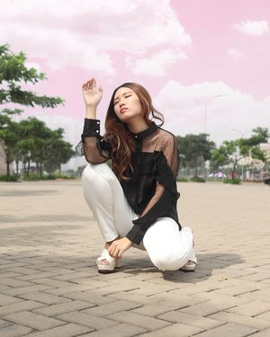 ⛅ Let the sky be the limit.  Top from: @jrepclothings ❤ #ootd #ootdindo #wiwt #wiwtindo #lookbook #lookbookindonesia #sociollabloggernetwork #clozetteID