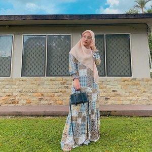 Jadi anggep aja lagi liburan cenah 🍀🌳🌴🌲☘️🍂🍃🍃🌱..Gamis kece by @nivahstuff .#ootd #nivahstuff #byfivit #style #ootdhijab #ootdinspiration #ootdhijabindonesia #ootdhijabindo #styleblogger #beautybloggerpekanbaru #ad #pkubeautyblogger #hijabstyle #gamis #clozetteid