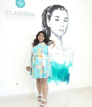 #latepost  My last ootd when attending Beauty Blogger Meet Up with Clariskin. Dress codenya soft blue, jujur aja cuma punya dua baju biru. Dan dua duanya royal blue. Sempet kelimpungan nyari baju warna biru muda.. Kemudian inget pernah kembaran ama ibuku baju daster. Yes, baju biru itu adalah daster sodara. Tapi aku kombinasikan dengan blouse warna putih. So cute kan. Unexpectedly it looks so pretty.  #ngakungaku #dressup #ootd #ootdbigsize #ootdbigsizeindo #ootdplussize #mixandmatch #summerclothes #clozetteid #fashion #cute #picoftheday #instagood #instamood #plussize #girl #indonesian #springfashion #ss #springsummer