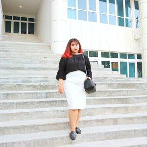 Been taking some time away from social media and it kinda works. I feel kinda better now. Hi, how are ya? ✨#Clozetteid #clozetteootd  #ootdbigsizeindo #fashion #cute #ootdplussize #ootdcurvy #ootdplussizeindo #curvy #clozetteid #blogger #bblogger #beautyblogger #surabayabeautyblogger #sbybeautyblogger #curvygirl #plussize #endorsementindo#endorsement #bodypositive #celebratemysize #ootdindonesia #ootdindo #curvystyleideasid #influencersurabaya #beautyhasnosize #missbbwindonesia #ootdredhacs #redhacsmixnmatch