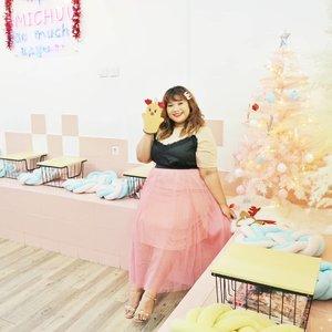 Merry Christmas for everyone who celebrate it. Happy Holidays! #shoxsquad #Clozetteid #clozetteootd  #ootdbigsizeindo #fashion #cute #ootdplussize #ootdcurvy #ootdplussizeindo #curvy #clozetteid #fashionaddict #fashionstyle #surabayabeautyblogger #sbybeautyblogger #curvygirl #plussize #endorsementindo #endorsement #bodypositive #celebratemysize #ootdindonesia #ootdindo #curvywomanindo  #influencersurabaya #beautyhasnosize #missbbwindonesia #ootdredhacs #redhacsmixnmatch