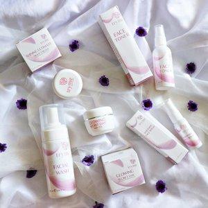 Lagi rutin pake skincare dari @official.tryme ! Udah sekitar dua mingguan pake dan hasilnya? Swipe sampe ke slide terakhir yah. Dan jgn lupa cek blog aku untuk review lengkapnya.  #reviewtryme #trymeindonesia #trymecosmetics #trymecosmeticsindonesia #sbbxtryme #sbbreview #sbybeautyblogger  #skincare #skincarereview #ClozetteID #beautyblogger #beauty  #indonesian #bblogger  #instamakeup  #instabeauty #beautybloggerid #beautybloggersurabaya #surabayabeautyblogger