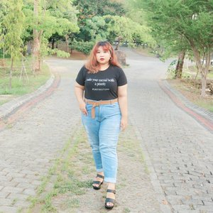 I really miss taking picture outside! 😤😤 #Clozetteid #ootdbigsizeindo #fashion #cute #ootdplussize #ootdcurvy #shoxsquad #ootdplussizeindo #curvy  #fashionaddict #fashionstyle  #curvygirl #plussize #endorsementindo #endorsement #bodypositive #celebratemysize #ootdindonesia #ootdindo #curvywomanindo  #influencersurabaya #beautyhasnosize #missbbwindonesia #ootdredhacs #redhacsmixnmatch