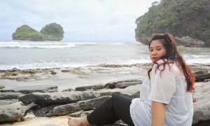 Kapan lagi kalian liat dugong lg berjemur cantik. 📷:@dimsam95  #vacation #beach #pantaiguachina #pantaigoachina #holiday #malangtrip #ClozetteID #wisatamalang #malang #family #friendship #girl #indonesian #malanghits #instagood #instamood
