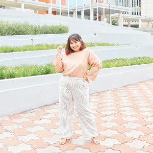 Sometimes..you gotta be bold. Just rock the world~ booyah! . . Some of you might not understand my caption but that is okay. At least you notice that I'm wearing super comfy stripes culottes pants from @sit.pants  They are available in various colours and sizes!  #Clozetteid #clozetteootd  #ootdbigsizeindo #fashion #cute #ootdplussize #ootdcurvy #shoxsquad #ootdplussizeindo #curvy  #fashionaddict #fashionstyle  #curvygirl #plussize #endorsementindo #endorsement #bodypositive #celebratemysize #ootdindonesia #ootdindo #curvywomanindo  #influencersurabaya #beautyhasnosize #missbbwindonesia #ootdredhacs #redhacsmixnmatch