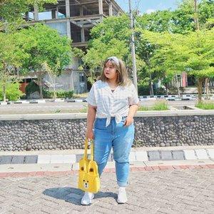 Stand tall and show your curve. #shoxsquad #Clozetteid #clozetteootd  #ootdbigsizeindo #fashion #cute #ootdplussize #ootdcurvy #ootdplussizeindo #curvy #clozetteid #blogger #bblogger #beautyblogger #surabayabeautyblogger #sbybeautyblogger #curvygirl #plussize #endorsementindo#endorsement #bodypositive #celebratemysize #ootdindonesia #ootdindo #curvystyleideasid #influencersurabaya #beautyhasnosize #missbbwindonesia #ootdredhacs #redhacsmixnmatch