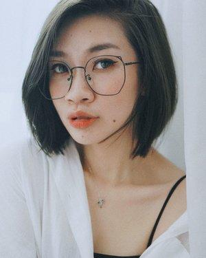 Bang tolong nyalain WiFi saya donk 😭😭  hal yang pling bikin bete di jaman WFH itu ketika WiFi di rumah tewas 😭😭 #shantyhuang #beauty #makeup #selfie #beautyblogger #beautybloggerindonesia #beautyandhairdiaries #tampilcantik #love #koreanmakeup #clozetteid #clozettedaily