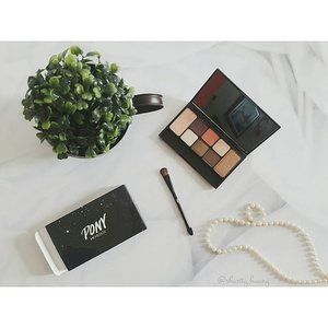 #shantyhuang #makeupcollection #makeup #eyeshadow #pony #korea #love #passion #beauty #beautyblogger #indonesiablogger #indonesia #clozetteid #clozzettedaily #instapicture #instalike