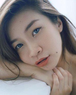 Hello Monday🥰🥰  Ketika Senin ini kenapa berasa begitu berat,ingin rasanya bermalas-malasan tapi ku tersadar aku belum jadi nyonya sosialita nan kaya (amin amin)  Yuk marilah semangat menjemput rezeki 🥰🥰  #shantyhuang #beauty #makeup #selfie #beautyblogger #beautybloggerindonesia #beautyandhairdiaries #tampilcantik #love #koreanmakeup #jakartabeautyblogger #clozettedaily #clozetteid