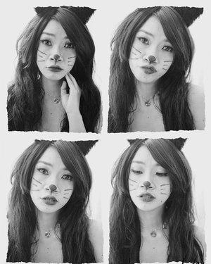 Miao miao miao 😸😸😸  tenang ini bukan kucing yang suka makan ikan,kucingnya demen pake skincare ma liptint aza❤️❤️  makeup ala hallowen tergampang buat aku😂  #shantyhuang #beauty #makeup #selfie #beautyblogger #beautybloggerindonesia #beautyandhairdiaries #tampilcantik #love #koreanmakeup #halloween #halloweenmakeup #cat #cutecat #clozetteid #clozettedaily