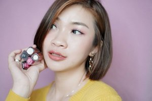 Selama tahun 2019, aku cukup banyak babget cobain lips product, salah satunya adalah lip cream lokal.  Dan produk lip cream lokal mana aza yang jadi favorite aku ya?  Mampir ya ke channel youtube aku, link ada di bio  https://youtu.be/otDP6-TuLws #Shantyhuang #beauty #beautyvlogger #lipcreamlokal #lipcream #review #Clozetteid #Clozettedaily #instagood #instadaily