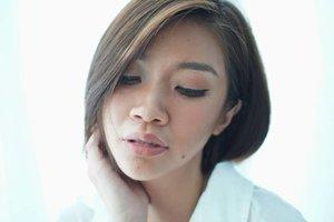 Menurut aku, tanned skin atau kulit sawo matang itu auranya sexy, jadi penasaran kan akhirnya aku buat makeup tutorial simple tanned skin makeup tutorial?  Berhasil atau gagal?  Mampir ke channel youtube aku yuk,link ada di bio https://youtu.be/nBScAvLNIMg  #Shantyhuang #beauty #beautyblogger #beautyvlogger #tanskin #tannedmakeup #tanmakeup #Clozetteid #Clozettedaily #instagood #instadaily