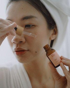 Siapa yang sejak WFH wajah jadi gampang jerawatan?Skincare lokal dengan packaging aesthetic dari @terrabeaute_ ini cocok banget untuk masalah jerawat dan brutusan kamu, sudah aku review lengkap banget di https://www.shantyhuang.com @jakartabeautyblogger #NurturingSincereBeauty#terrabeaute#JBBinsider #JakartaBeautyBlogger #JakartaBeautyBloggerFeatTerraBeaute