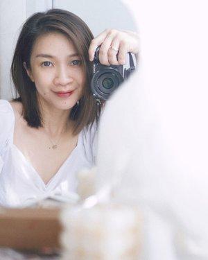 Happy monday❤️❤️ Karena dengan semakin bertambahnya usia kamu akan semakin cinta dengan yang minimalis termasuk makeup minimalis ❤️   #shantyhuang #beauty #makeup #selfie #beautyblogger #beautybloggerindonesia #beautyandhairdiaries #tampilcantik #love #koreanmakeup #jakartabeautyblogger #clozettedaily #clozetteid