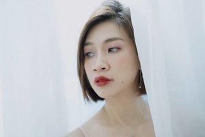 Selamat hari senin dari aku yang hanya bisa menatapmu dari balik jendela 😂😂 #shantyhuang #beauty #selfie #selca #beautyvlogger #Clozetteid #Clozettedaily #instagood #instadaily