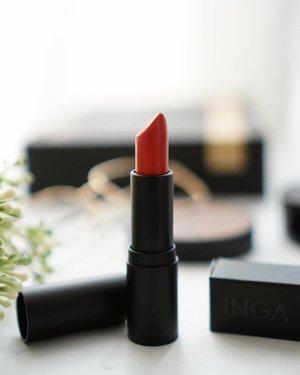 Every lipstick has a different story, even if they look alike!  Lipstick dari @inga_official ini punya packaging simpel tapi elegant banget, teksturnya matte tapi ga buat kering, yang bikin aku paling jatuh cinta tuch warnanya semanis itu.  Ditunggu review lengkapnya ya 😉 Buat yang pengen beli bisa mampir ke charis shop aku, linknya ada di bio: hicharis.net/Shantyhuang/FA2  #Shantyhuang #beautyvlogger #beautyblogger #ingasemimattelipstick #ingalipstick #charisceleb #hicharis_official #Clozetteid #Clozettedaily #instagood #instadaily