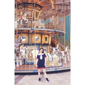 """Life, like a merry-go-round,may make you dizzy,but you have to hold on even  in the hardest of times "" Alishia May  Happy Sunday 😘  #shantyhuang #beautyvlogger #beautyblogger #beauty #ootd #Clozetteid #clozettedaily #instagood #instadaily"