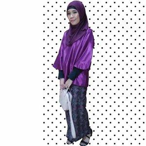 untuk occasional wear ini☝aku memanfaatkan yang aku punya dan meminjam, jadi yg baru di occasional wear ini hanya bajunya aja. itupun gak beli tapi pemberian dari yang punya acara⠀ .⠀ the point is kalau mau gaya gak harus beli⠀ .⠀ #minimalist #minimalistlifestyle #minimalistlife #blog #blogger #lifestyleblogger #lifestyle #bridesmaid #teambridesmate #teambridesmaid #bridesmate #hijabi #hijabiandfab #hijabibridesmaid #hijabiootd #kondanganootd #clozette #clozetteid #hijabistyle