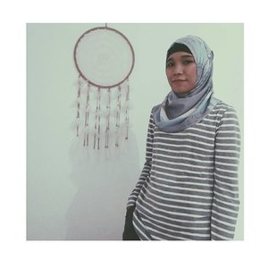 don't let someone else catch your dreams. YOU be the dream catcher.voal printing scarf from @luana.hijab.#hijabiandfab #hijabstyle #hijabifashion #hijabfashion #style #blogger #clozetteid #clozette #dailywithluana #peoplewithluana #instadaily #dailystyle #daily #hijabblogger #voalprintedscarf #dreamcatcher