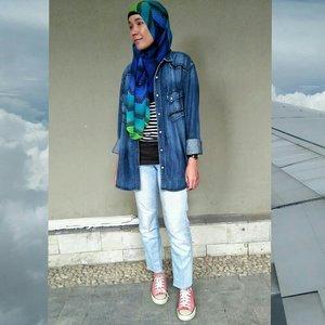 👦: pake celana cingkrang lagi?⠀👧: iya dong⠀👦: kaya habib aja luh⠀👧: habib gak ada yang pake converse⠀.⠀#minimalist #minimalistlifestyle #minimalistlife #blog #blogger #lifestyleblogger #lifestyle #hijabi #hijabiandfab #hijabiootd #ootd #outfitoftheday #hijabstyle #clozette #clozetteid #hijabistyle