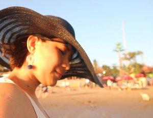 Double Chin 👙👒 #seminyak #bali #kudeta #sunset #balisunset #gateway #pulangkampung #jalanjalan #clozetteid #beach