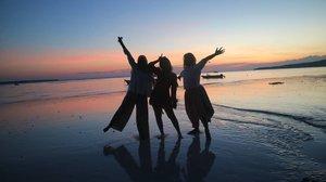 Happy Mind - Happy life.  #sunset #beach #beautysunset #goldensunset #tanjungbira #visitindonesia #travelindonesia #sulawesi #travel #instatravel #clozetteid