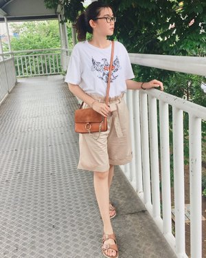 Wearing sand cotton shorts from @charmstyle.gr - #ads #clozette #clozetteid #personalstyle #fashionblogger #ootd