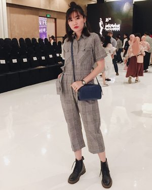 Wearing jumpsuit from @cottonink to support their show last week and also bag from local brand, @bevelient ❤️ - #youxcottonink #supportlocalbrand #clozette #clozetteid #personalstyle