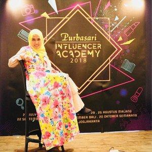 Kala itu..... #hijabfashion #clozetteid #instafashion #beautybloggerid #beautybloggerindonesia #hijablook #hijabstyle #bblogger #bloggerbabes #bloggerstyle #indonesianbeautyblogger #modestcloset #islamicfashionistas #muslimahinspirations #hijabblogger #hijabilookbook #purbasariinfluenceracademyjkt #pia2018