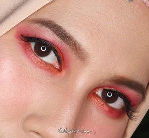 Aku pakai metallic matte lipstick sebagai eyeshadow. Pigmented dan easy to blend 💕💕💕💕. #chichijab #beautybloggerid #bblogger #bloggerbabes #clozetteid #makeupjunkie #beautybloggerindonesia #makeuplover #hijablook #bbloggers #bloggerstyle #bloggerslife #modestcloset #indonesianbeautyblogger #muslimahinspirations #hijabblogger #hijabeauty #beautyjunkie #beautyaddict #instamakeup #purbasarimakeup #purbasarimetalliclipstick