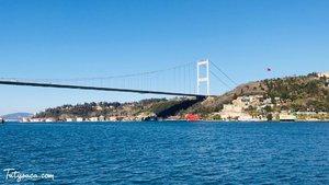 Mendengar nama Muhammad Al Fatih selalu berdecak kagum. Pemuda yang berhasil membebaskan kota Konstantinopel lalu mengubahnya menjadi Istanbul di usianya yang baru 19 tahun. Nama beliau diabadikan pada jembatan ini. #turkeytrip #turkey #istanbul #travelling #ontheblog #clozetteid #nofilter #turkeytravel #instatravel #holidays #happyholidays
