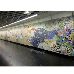 No caption . . . . . #art #wall #MRT #street #Traverra #SG #ClozetteID #likeforlike