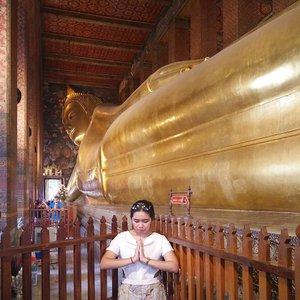 Happy waisak day . . . . . . #waisak #buddha #temple #throwback #tbt #Traverra #TraverraBangkok #ClozetteID