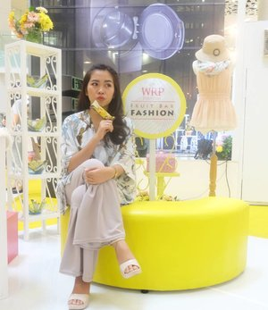 This is so meeeee.... Can you guess what?? . . . #happyeveryday #wrpeveryday #ngemilfruitBAReng #BeautynesiaID #ClozetteID #Blogger