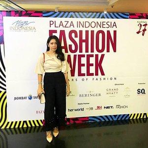 Happy Friday . . . . . #PlazaIndonesiaFashionWeek #PIFW2017 #OOTD #TapForDetail #SmartCasual #FashionWeek #Fashion #ClozetteID
