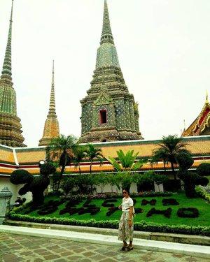 Morning . . . . . #watpho #Temple #Bangkok #Thailand #Traverra #TraverraBangkok #ClozetteID