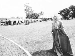😂😂😂 . . . . . . . . #hijab #ootd #hijabbi #hijabers #instahijab #clozetteid #hotd #instadaily #hdr #hijaberkece #hijabfashion #weddingparty #makeup #makeupbyme #hijaberindo #inspirasikebaya #brideideas #gaunpesta #fashionstyle #ootd #magelang #beautiful #photograph #photographer #fotografi #hijaber #hijabfashion_2016 #kebayamuslim #dress #weddingdress #kebayamodern