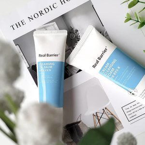 As you know, a few days ago I received @realbarrier products as @stylekorean_global Try Me Review Me program. So, I will start to review their cleansing products first. . 💙 Cleansing Oil Balm : An easy-to-use first cleansing, the texture is similar to a melting balm, sometimes I found the hardened texture like balm. With 100% natural fragrance of bergamot, marjoram & chamomile oil, it's smell like fresh citrus. Formulated with patented ceramide complex & natural oils, leaves the skin hydrated after cleansing. The tube-shaped packaging makes it cleaner and easier to use. . 💙  Cream Cleansing Foam : A creamy, acid balanced moisturizing cream. As its name, this product has a creamy texture that produces very soft foam. The smell is a blend of fresh citrus and lavender, you can see on the  ingredients list there are Lavender Oil & Lemon peel oil. Contains wheat sprout extract & spirulina to help relax sensitive skin. I also saw Madecassoside & Centella Asiatica on the ingredients list, both are my sensitive skin fav! . I use both of these products in my pm routine, while for am I only use Cream Cleansing Foam. Both of these product work very well together, they clean makeup and dirt well and keep my skin hydrated after cleansing. But ... I don't know why I feel the stripping sensation every time I use Cream Cleansing foam myself in the am routine, it even tends to make my skin dry. So I decided to only use it in my pm routine along with Cleansing Oil Balm, and for am I used my old Cleansing wash. For the Cleansing Oil balm, I have no complaints, I like it! So far, these products didn't break me out so I will continue to use both the products. . . You can buy these product at @stylekorean_global . #stylekorean #stylekorean_global #realbarrier #TrymeReviewme #skincare #dryskin #dehydratedskin  #kbeauty #skincareroutine #skincarediary #skincarelover #skincarecommunity #beauty #beautycommunity #clozetteID #beautyblogger #sensitiveskin #dryskin #skinbarrier #koreanbeauty #cl