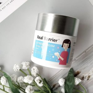 """Have a beautiful sunday everyone!! So, here the last @realbarrier product to review as a part of @stylekorean_indonesia  Try Me, Review Me program. . While using Real Barrier Extreme Series, a lot of unexpected things keep coming, and one of the most surprising is, my sensitive acne prone & combination to oily skin love this thick balmy texture cream 😂😂😂. . Initially, when I opened the cream's cap I immediately underestimated, like """"ewww, my skin doesn't like this kind of cream"""" The balmy & rich texture will usually feel heavy on my skin. But, when I started to touch the surface of the cream it felt very soft and I started rubbing it on my face, it felt pretty comfortable, it wasn't as heavy as I had imagined. Doesn't have the citrusy or fruity scent, the scent is more refreshing there are hints of mint or lozenges. . This product is 50gr in size, packaged in a thick plastic jar, this is a limited edition version with an image of @isul she's so cute btw. The lid material is made like aluminum which is easily scratched if dropped or bumped. . With 72 hours hydration, features ceramide 9S™ & ceramide 5SP™ to provide superior hydration. Infused with 3 Calming complex to soothe irritated skin. . I like to use this product as a night cream, it provides excellent hydration throughout the night without being sticky and too greasy. I'm using this cream along with other Real Barrier products. When I woke up in the morning my face looked fresher, felt smooth and not too oily, indicated that my skin was hydrated through the night. During using this cream I haven't experienced clogged pores or got new acne. This cream is also very good for dealing with redness and irritated skin. . If you have dry skin it seems like you will really like this cream. . #stylekorean #stylekorean_global #realbarrier #TrymeReviewme #skincare #dryskin #dehydratedskin  #kbeauty #skincareroutine #skincarediary #skincarelover #skincarecommunity #beauty #beautycommunity #clozetteID #beautyblogger #sensit"""