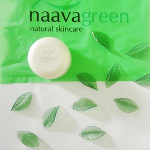 My daily essensial with Naavagreen Moist CC Cream🍃 . . . . . #naavagreen #moistcccream #cccream #reviewmakeup #clozetteid #clozetter #makeup #basemakeup #naturalskincare